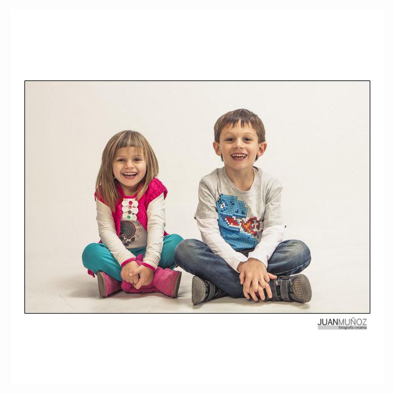 Sesión fotográfica familiar, Fotografía de estudio, estudio fotográfico, fotografía de publicidad, fotografo en Barcelona, Fotógrafo en el Vallés, Estudio de fotografía