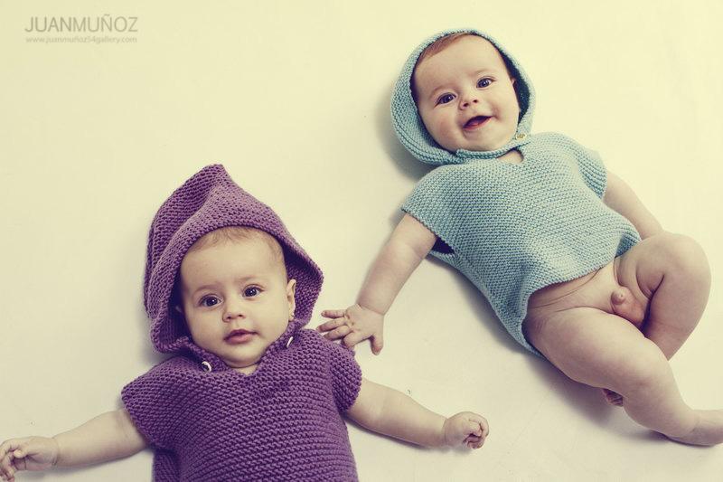 fotografía de bebé, fotografía infantil, fotografía de estudio.Sesión de estudio con mellizos